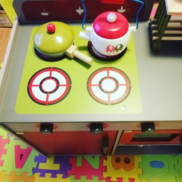Bucatarie de lemn copii Dubla European Kitchen  cu accesorii 10