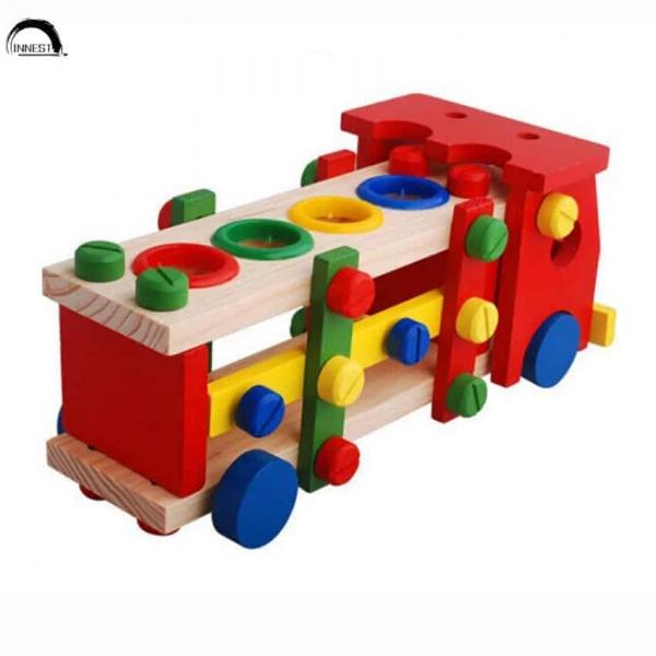Camion de scule si ciocanel cu bile din lemn 3
