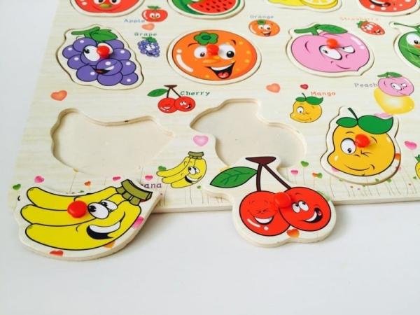 Puzzle din lemn cu maner Fructe 4